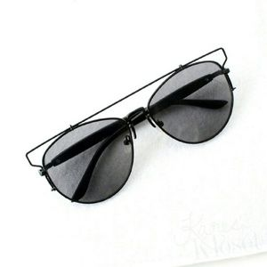 Karis' Kloset Accessories - Accessories | Black on black oversized sunnies